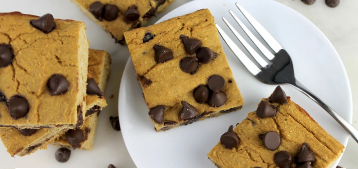 chocolate chip brownies, healthy snacks, high protein, low calorie, healthy eating
